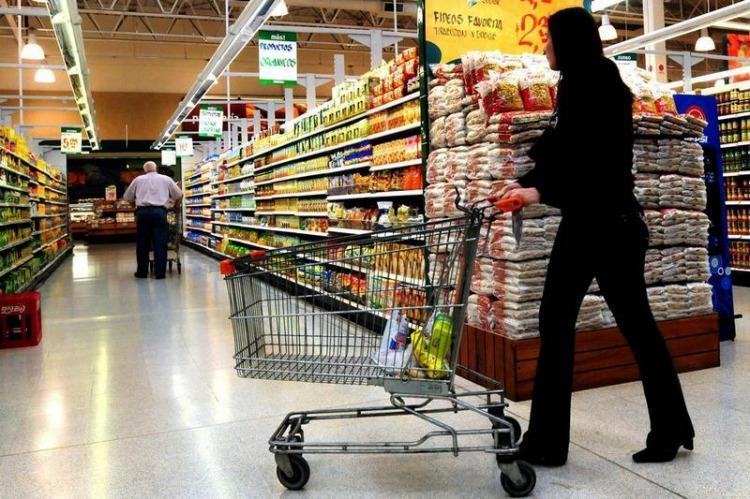Efeito Macri: supermercados vazios