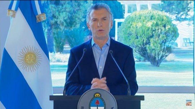 Mauricio Macri pede desculpas a anuncia pacote econômico